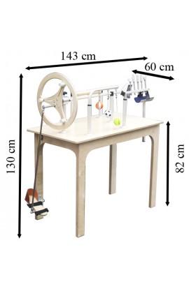Mesa de manos y pies de madera